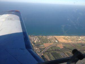 בית ספר לטיסה - נהנים מהנוף מהחלון
